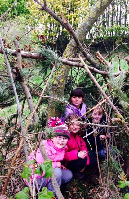 shelter building and wild play